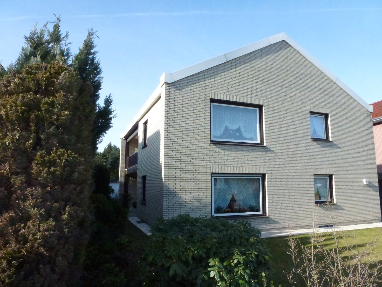 Ger umige 3 zimmer wohnung mit gro er loggia classic for Wohnung immobilien
