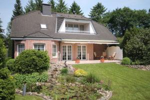 Rellingen: Repräsentative Landhaus-Villa in bester Lage