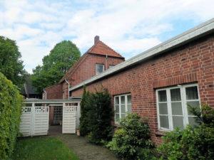 Pinneberg-Mitte: Rotklinker-Haus mit Loft