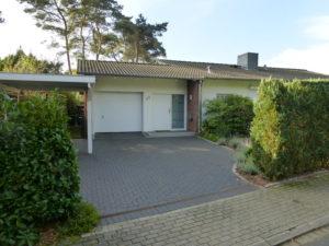 Pinneberg-Vossbarg: Modernisiertes Einfamilienhaus mit sonnigem Grundstück in Bestlage