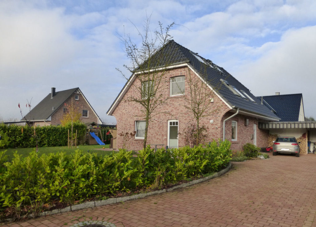 ellerhoop: modernes 5 zimmer einfamilienhaus in ruhiger lage mit, Garten Ideen