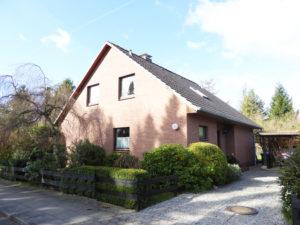 Lurup: Großzügiges Einfamilienhaus mit Südgarten in kinderfreundlicher Sackgasse