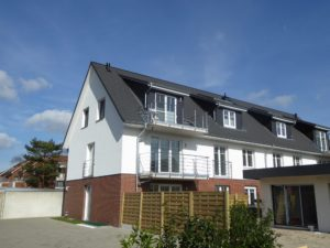 Schenefeld: Energieeffiziente + courtagefreie 3-Zimmer-Neubau-DG-Wohnung