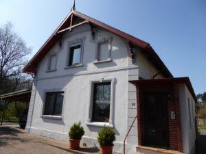 Schenefeld-Dorf: Charmantes Altbau Ein- / Zweifamilienhaus mit großem Grundstück