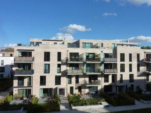 Lokstedt: Neuwertige 2-Zimmer-Penthousewohnung mit Dachterrasse über den Dächern von Lokstedt