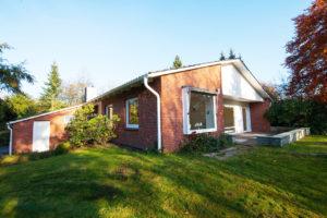 Pinneberg-Vossbarg: Modernisiertes Einfamilienhaus mit sonnigem Grundstück in ruhiger Lage
