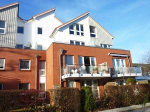 Schenefeld-Dorf: Gepflegte 2 Zimmer–Erdgeschoss–Wohnung mit Terrasse