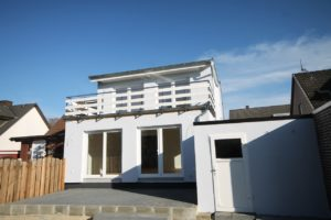 Pinneberg-Mitte: Auf Neubaustandard modernisierte Doppelhaushälfte