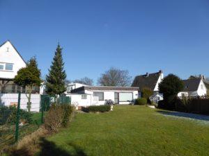 Lurup: Sonniges Baugrundstück für Doppelhaus/Einzelhausbebauung