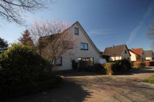 Schenefeld: 3-Zimmer-Maisonettewohnung in zentraler Wohnlage