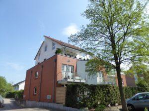 Schenefeld – Dorf: Moderne 3-Zimmer-Eigentumswohnung mit Terrasse