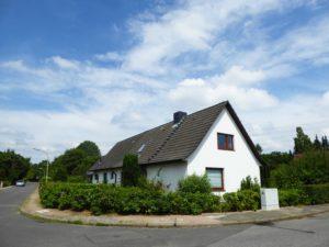Hamburg-Lurup: 3-Zimmer-Haushälfte mit großem, eigenen Garten