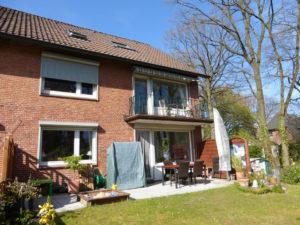 Rissen: 6 Raum-Wohnung in grüner Lage Rissen mit Haus-im-Haus Charakter und Garten
