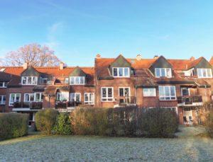 Pinneberg-Quellental: Charmante 2 ½-Zimmer-Dachgeschosswohnung mit Galerie