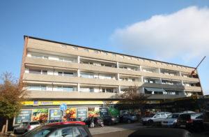 Halstenbek-Krupunder: Gut geschnittene 4-Raum-Wohnung mit großem Südbalkon