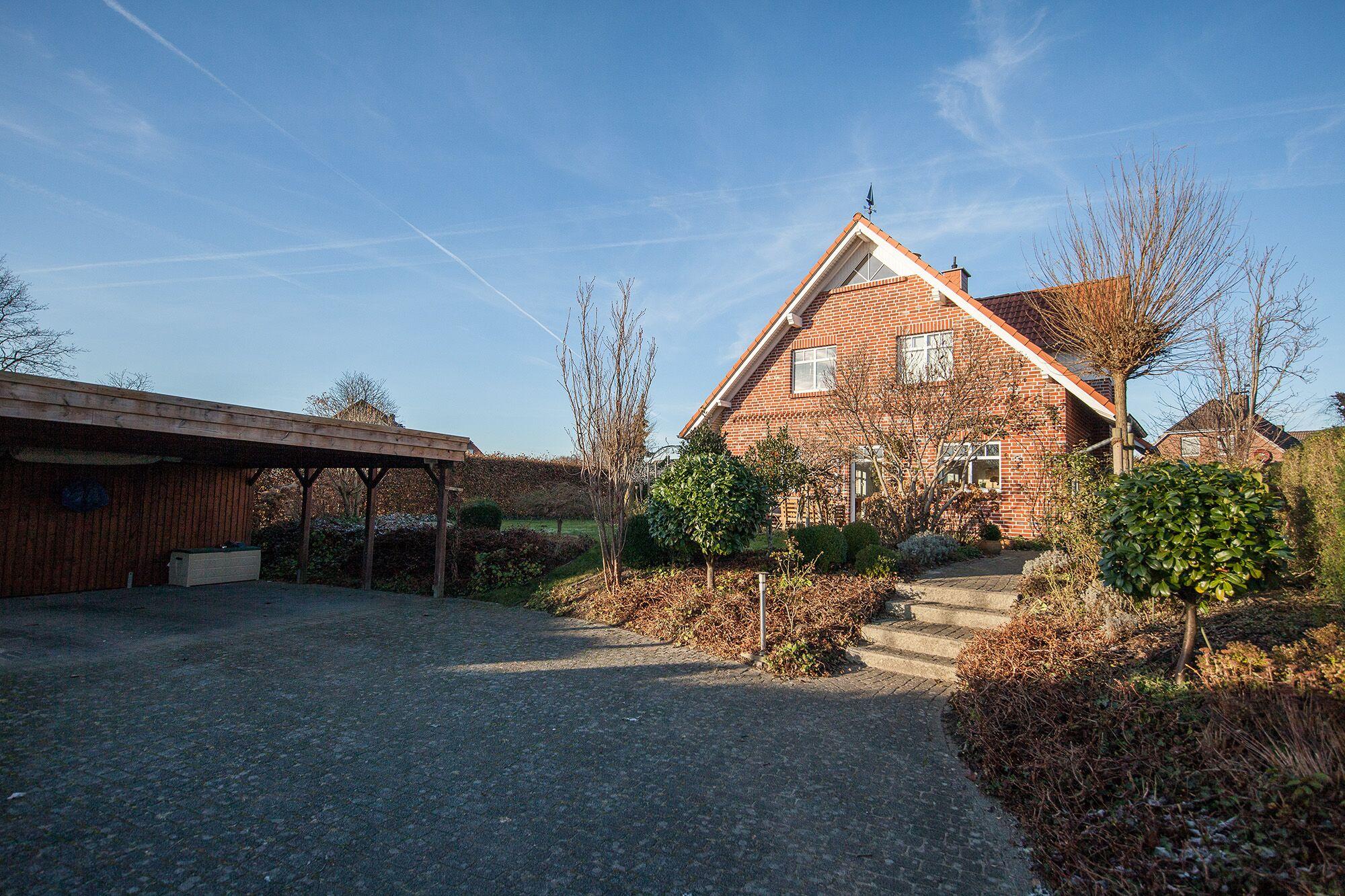Pinneberg-Prisdorf: Wunderschönes Einfamilienhaus in ruhiger Lage