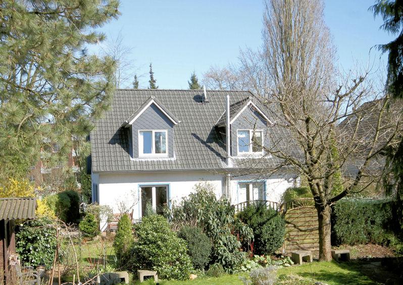 Schenefeld: Modernes Einfamilienhaus in ruhiger Lage mit Südgarten