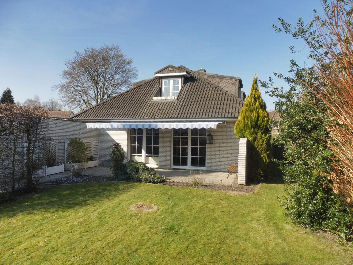 Lurup: Charmantes Einfamilienhaus mit Südgarten in ruhiger Wohnlage