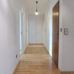 Schenefeld-Dorf: Sonnige 4 Zimmer-Wohnung mit Balkon und Tiefgaragenstellplatz