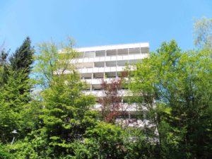Halstenbek: Großzügige 4–Zimmer–Wohnung mit Schwimmbadnutzung