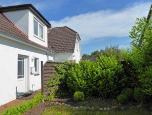 Schenefeld: Ruhige 2 ½ Zimmer-Wohnung mit eigenem kleinem Garten