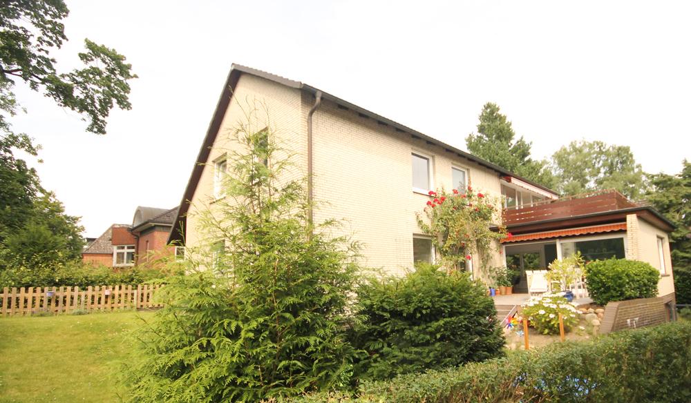 Nienstedten: Haus für die große Familie, Freiberufler oder als Investment in begehrter und elbnaher Lage