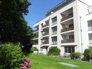 Hamburg-Othmarschen: Großzügige und moderne 3 Zimmerwohnung mit Loggia und Tiefgaragenstellplatz