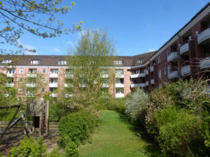 Hamburg – Niendorf: 2 Zimmerwohnung mit Sonnenbalkon in gepflegter Wohnanlage