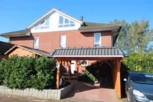 Pinneberg-Rosenfeld: Sonniges und modernes Quadra-Haus in kinderfreundlicher und beliebter Lage