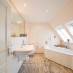 Pinneberg-Quellental: Stilecht und aufwendig modernisiertes Einfamilienhaus mit hübschem Garten