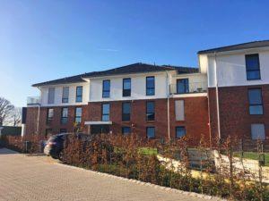 Borstel-Hohenraden: Exklusive 3 – Zimmer – Wohnung mit Westbalkon in ruhiger Lage