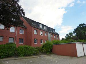 Schenefeld: Zentrale 2-Zimmer-Erdgeschosswohnung mit Terrasse