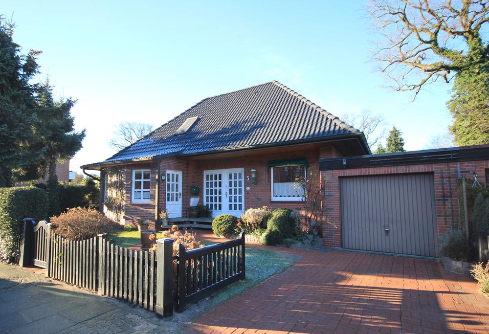 Schenefeld-Dorf: Charmantes und gepflegtes Einfamilienhaus in begehrter Lage