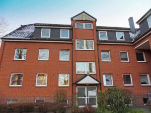 Schenefeld: Gepflegte 3-Zimmer-Maisonette-Wohnung mit eigenem Garten