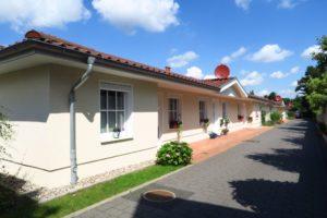 Schenefeld: Alters- und behindertengerechte 2 ½-Zimmer-Wohnung mit Terrasse