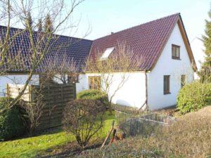 Schenefeld: Ruhige 2 Zimmer – Erdgeschoss – Wohnung mit überdachter Veranda im Garten