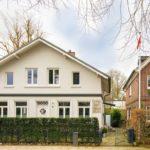 Nienstedten: Einfamilienhaus und Remise in Elbnähe