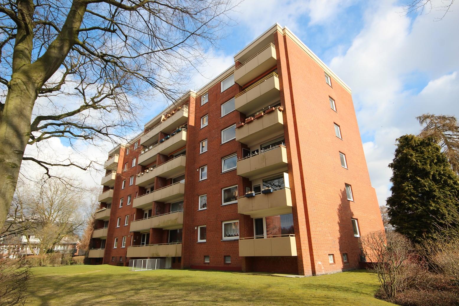 Schenefeld-Dorf: Ruhige 4 Zimmer-Wohnung im Dorfkern