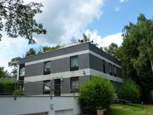 Othmarschen: Elbchaussee 3 – Zimmer-Haus-im-Haus- Wohnung