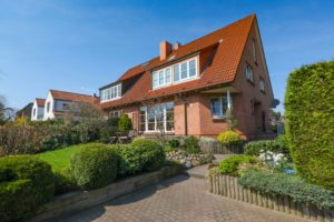 Schenefeld: Großzügige Haushälfte in familienfreundlicher Lage