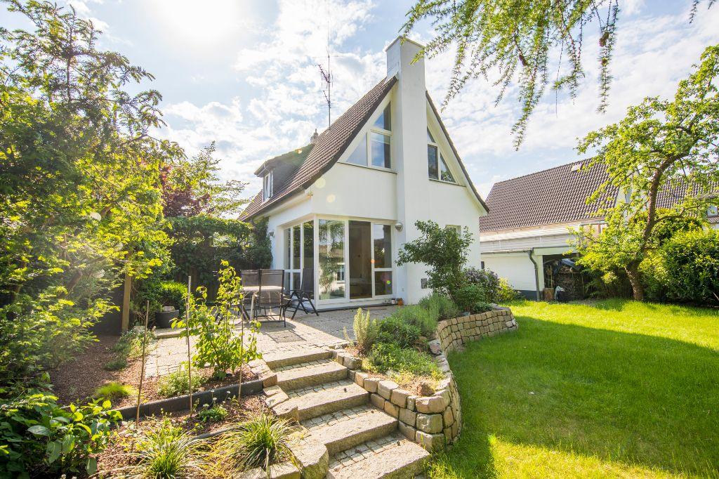 Schenefeld: Neuwertig gestaltetes 5 Zimmer Einfamilienhaus mit Keller