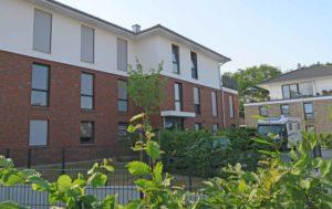 Borstel-Hohenraden: Moderne 3 – Zimmer – Wohnung mit Westbalkon in ruhiger Lage