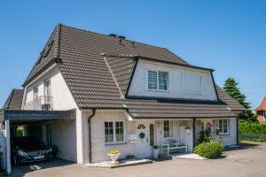 Halstenbek: Traumhafte 5 – Zimmer- Haushälfte beim Dorfkern von Halstenbek