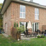 Pinneberg-Thesdorf: Exklusive Doppelhaushälfte in zentraler Lage