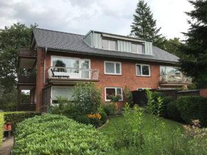 Hamburg-Rissen: Großzügige 4 Zimmer Dachgeschosswohnung mit eigenem Gartenanteil