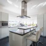 Schenefeld: Exklusive Villa im Bauhausstil mit viel Platz und großer Parkfläche
