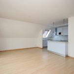 Schenefeld-Dorf: Frisch renovierte und exklusive 2,5-Zimmer-Dachgeschoss-Wohnung mit Wintergarten