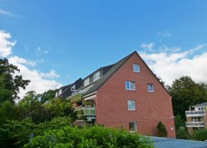 Schenefeld: Gepflegte zentrale 2- Zimmer Wohnung mit sonnigen Balkon