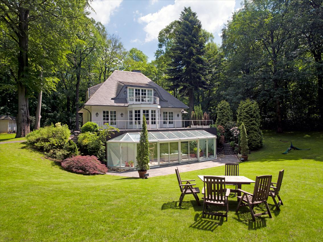 Luxus Villa Im Wald Mit Parkgrundstück